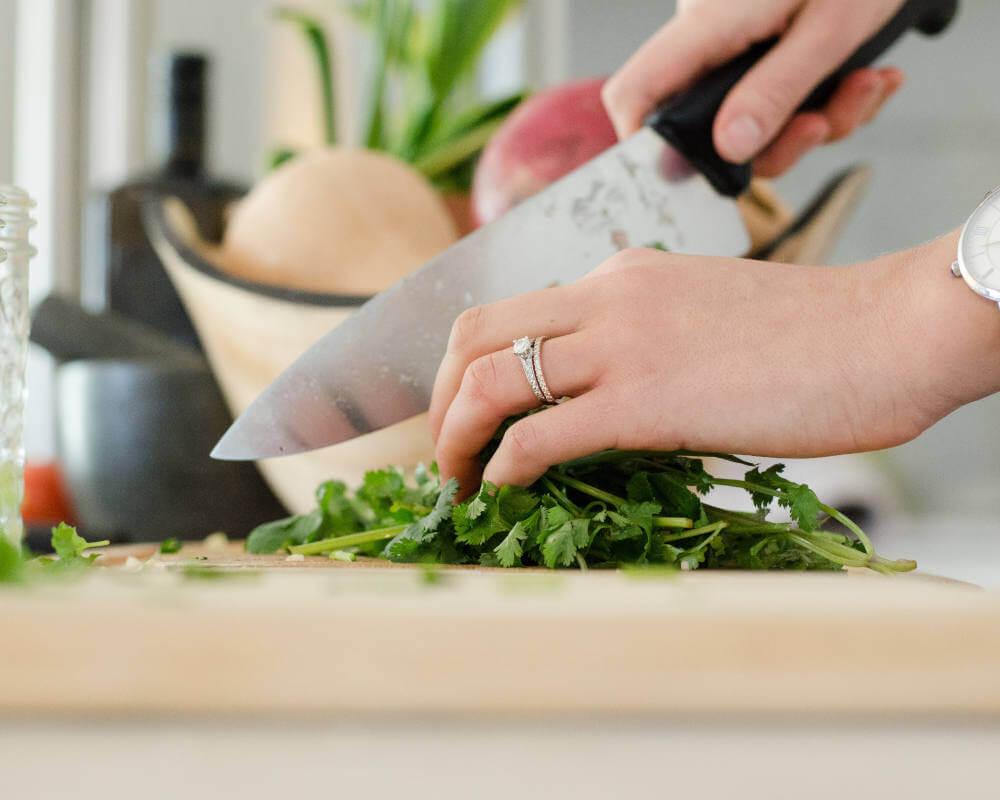 nož-seckanje-povrće-ručak