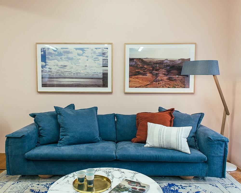 plava-sofa-dnevna-soba